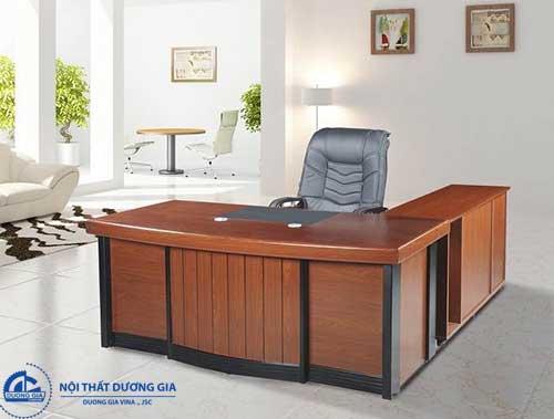 Màu sắc cũng là yếu tố cần lưu tâm trong cách bố trí bàn làm việc hợp phong thủy