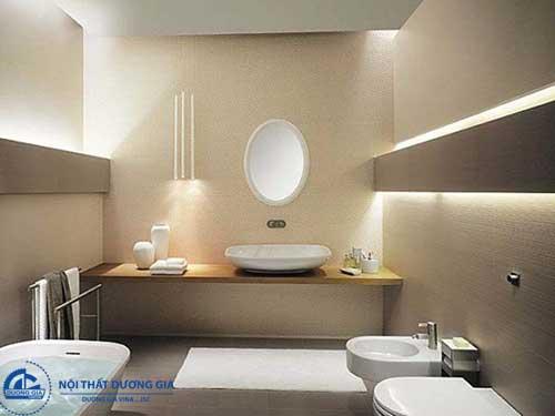 Lắp đặt gương và hệ thống ánh sáng khi trang trí phòng tắm