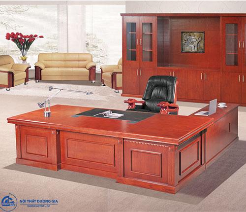 Chú ý về chất liệu của bàn ghế Giám đốc giá rẻ - bàn DT3012V8