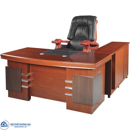 Bộ bàn ghế lãnh đạo Hòa Phát phù hợp với điệu kiện tài chính của cơ quan