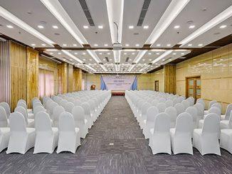 Làm thế nào để đạt tiêu chuẩn thiết kế phòng hội nghị về cách sắp xếp?
