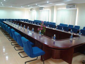 Công ty cung cấp bàn ghế phòng họp hội trường uy tín, giá rẻ